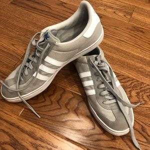 Men's Adidas Size 13 Athletic Shoes